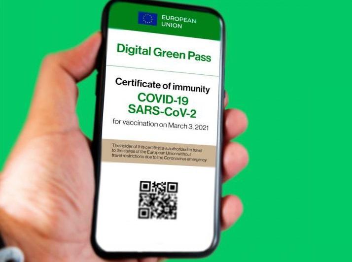 green pass o passaporto vaccinale